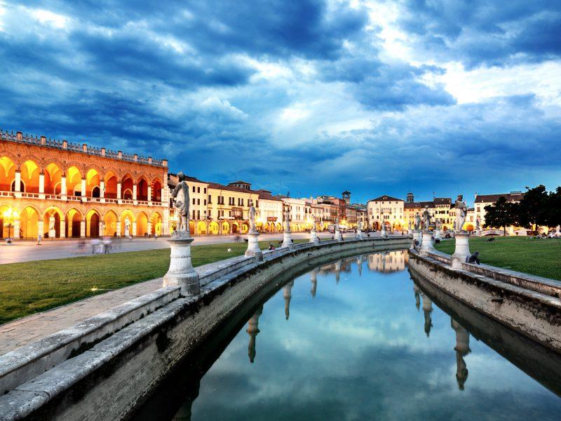 Prato Della Valle Square Pradua Veneto